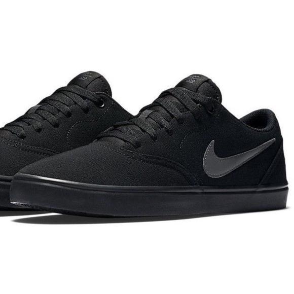 de17adec87c7 Size 9 Nike SB Black Textile Lace Up Casual Shoes.  M 5b2b126b3e0caabb3b862d17